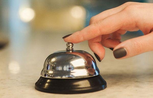 RECEPTIONER DE HOTEL – Specializare
